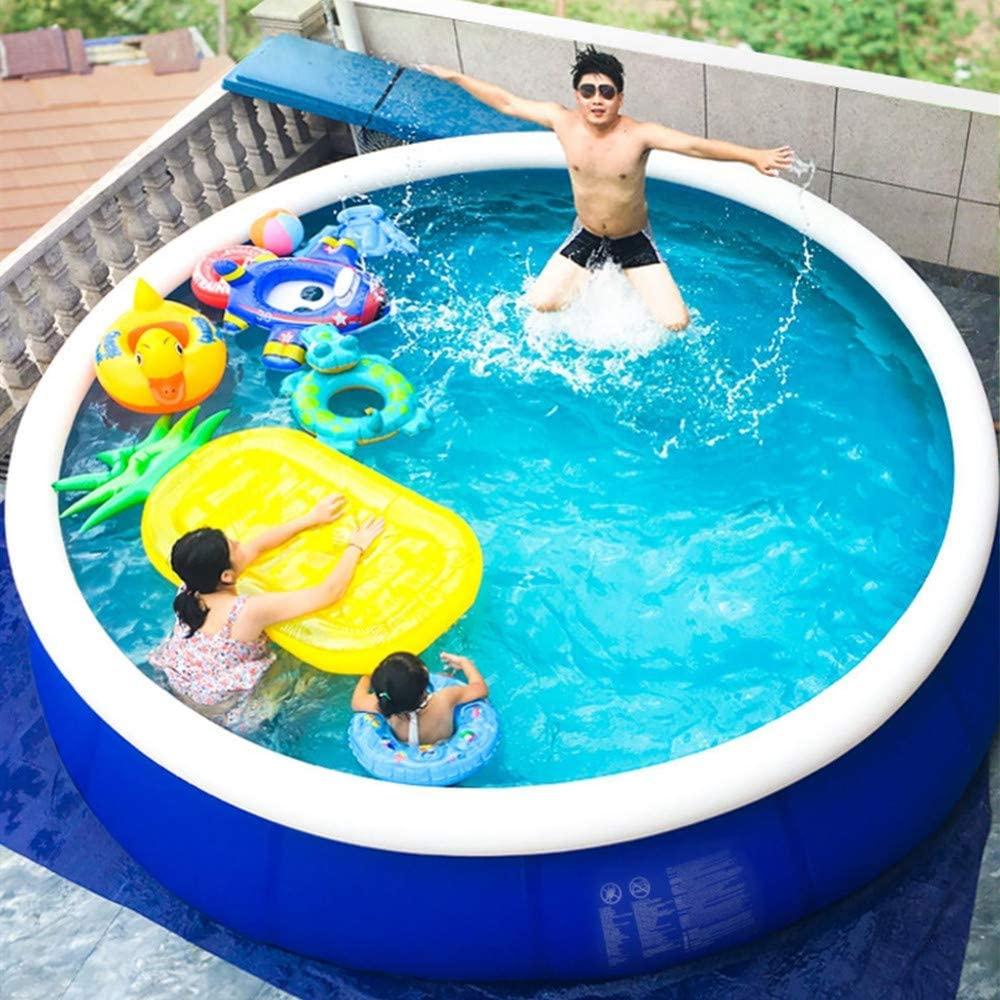 Piccola piscina gonfiabile ideale per il terrazzo.