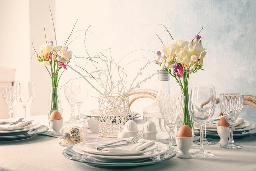 Tavola di Pasqua in stile Shabby chic.