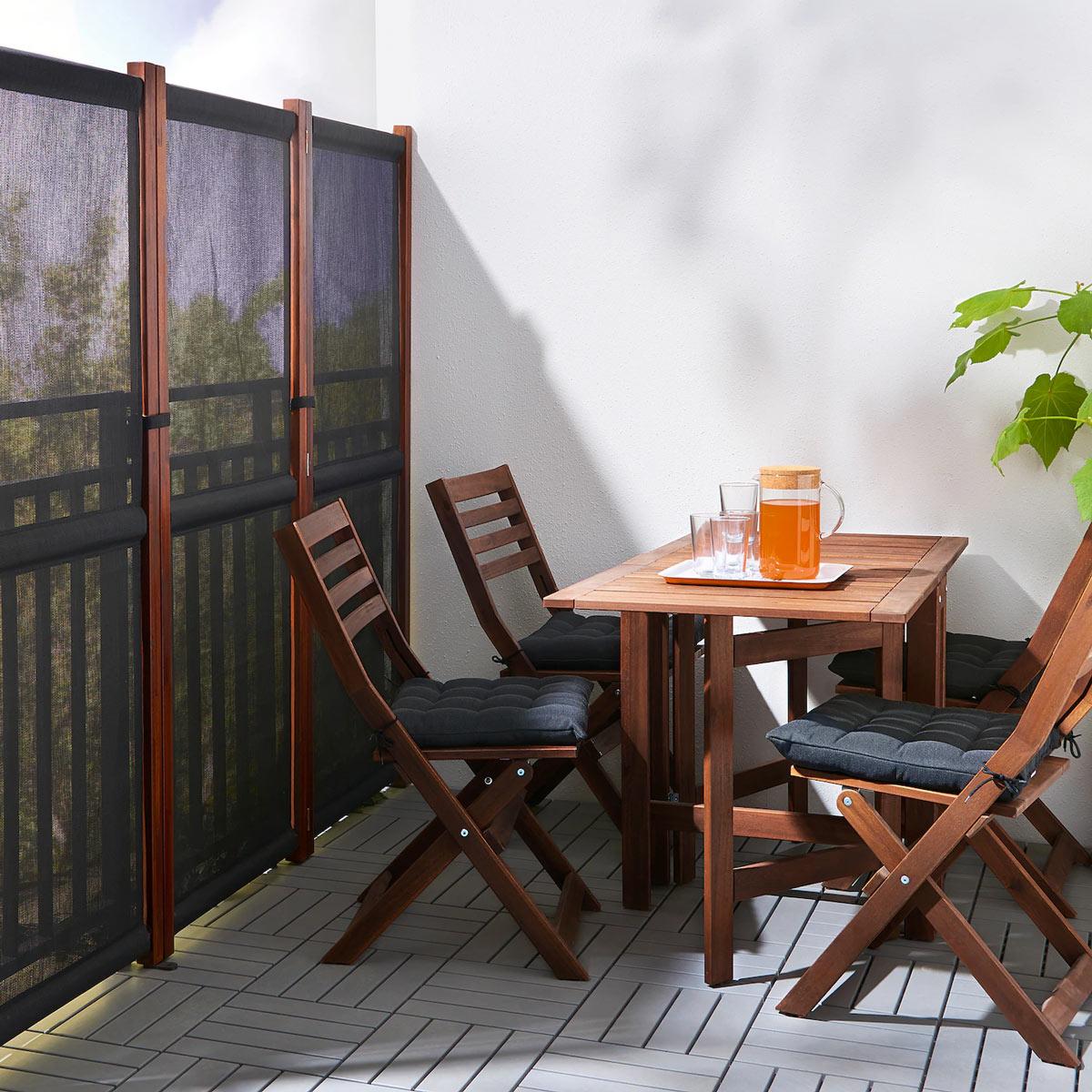 Separè IKEA SLÄTTÖ, ideale per avere un po di privacy sul balcone.