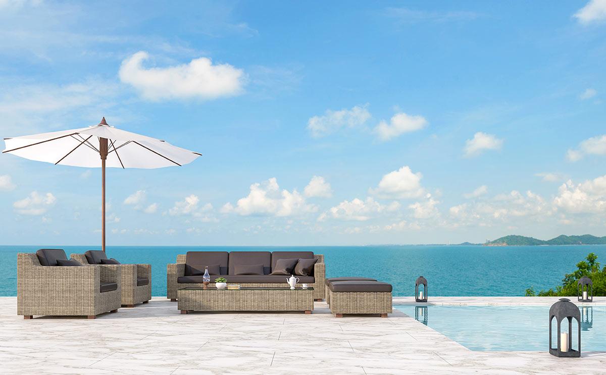 Arredare il terrazzo della casa al mare.