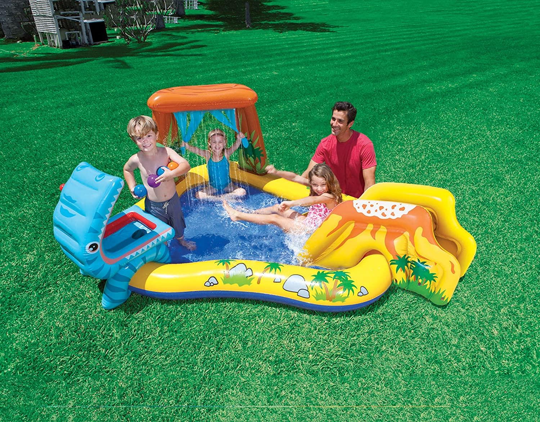 Piscine gonfiabili per bambini con giochi.