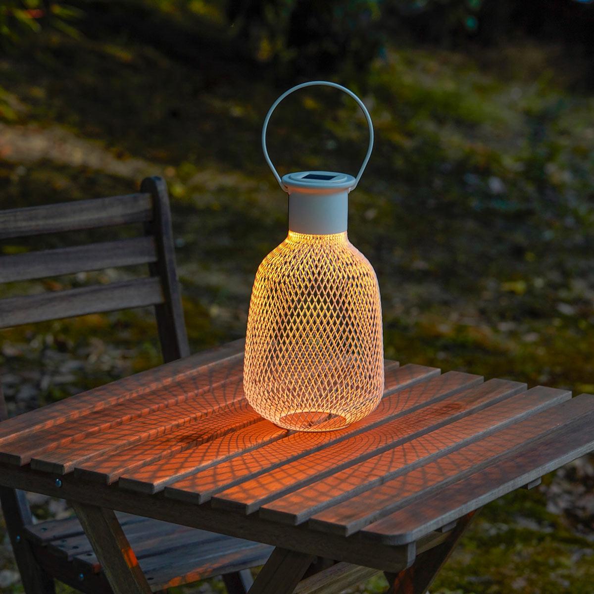 Luce a forma di candele IKEA ad energia solare.