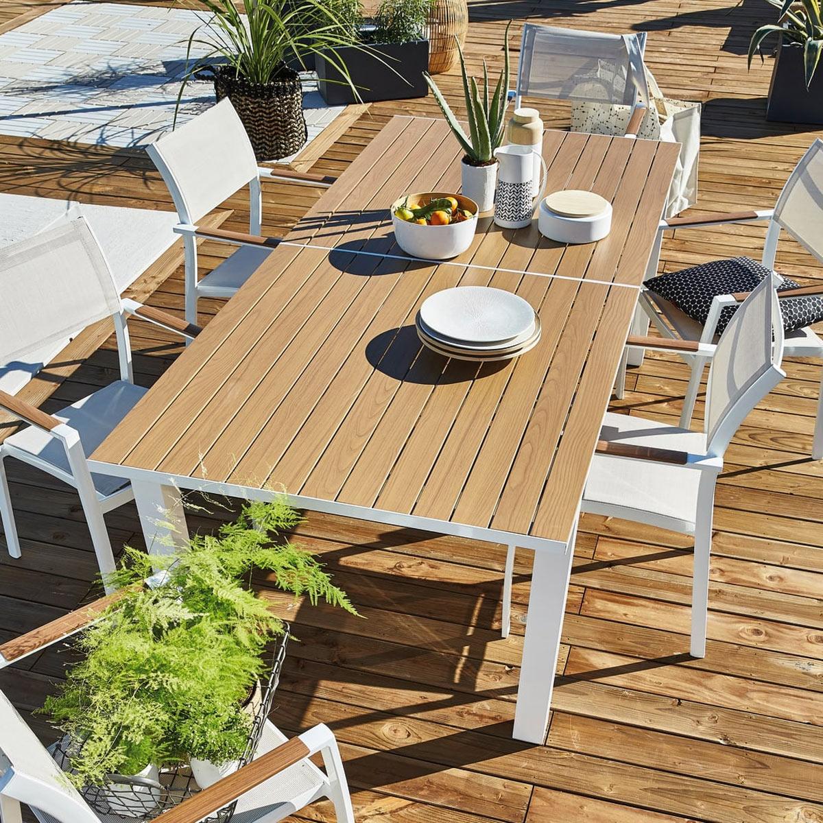 Arredo giardino 2020 Leroy Merlin, tavolo da esterno con sedie.