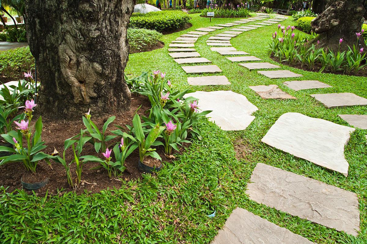 Camminamenti in pietra per il giardino.