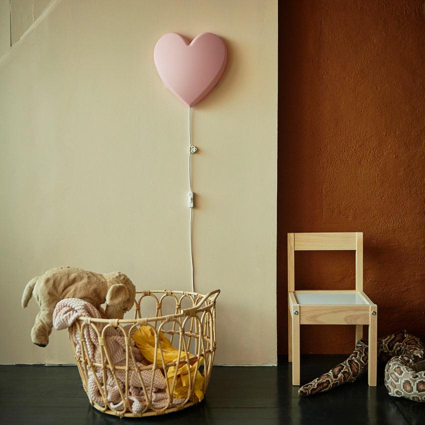 UPPLYST a forma di cuore è una lampada ideale per la cameretta delle bambine