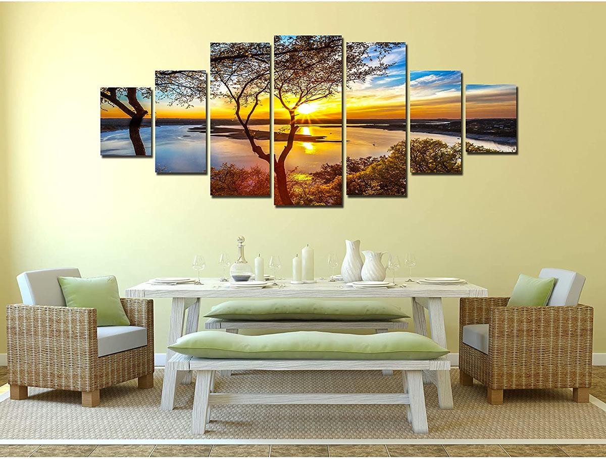 Composizione di 7 quadri che formano un tramonto.