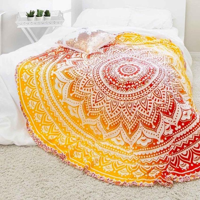 Decorare il letto con i mandala.