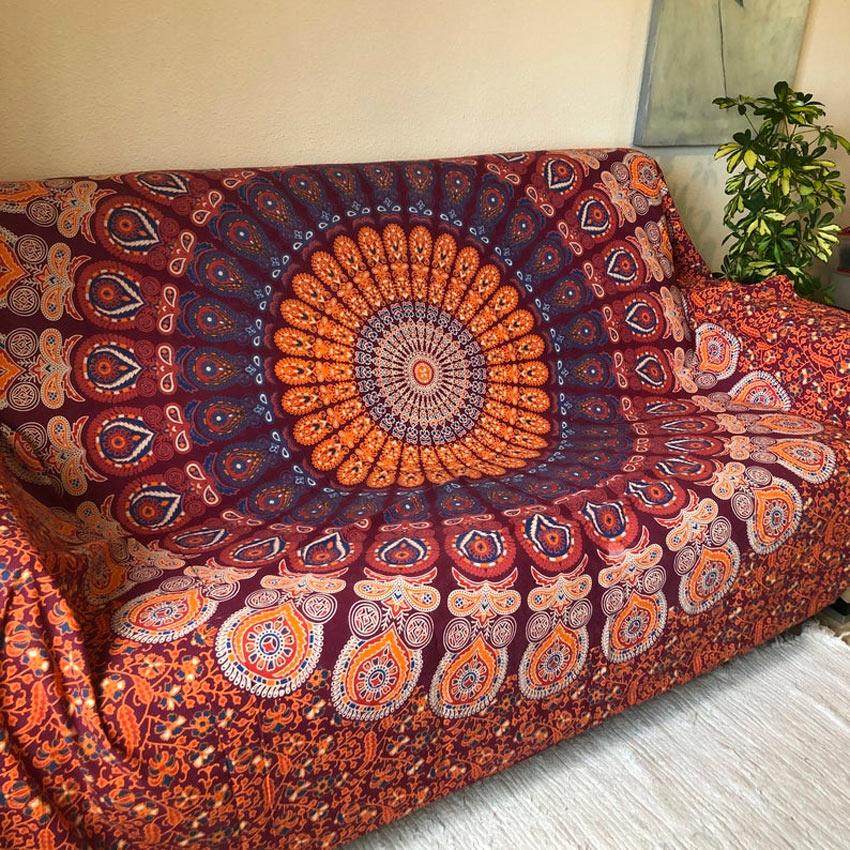 mandala copri divano.