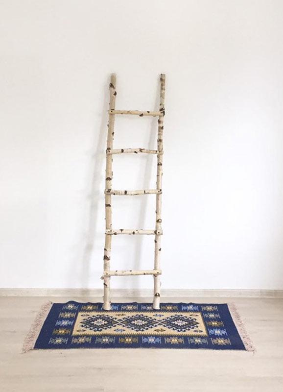 scala decorativa fai da te stile rustico realizzata con tronchi di legno