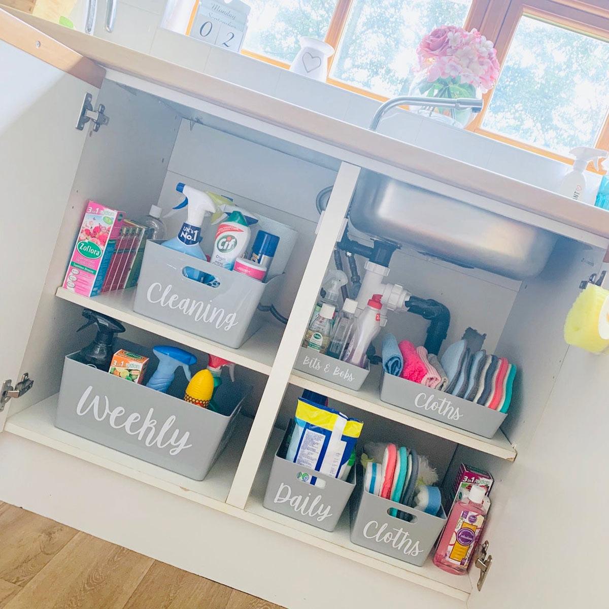 organizzare casa con i contenitori mobile sotto lavabo