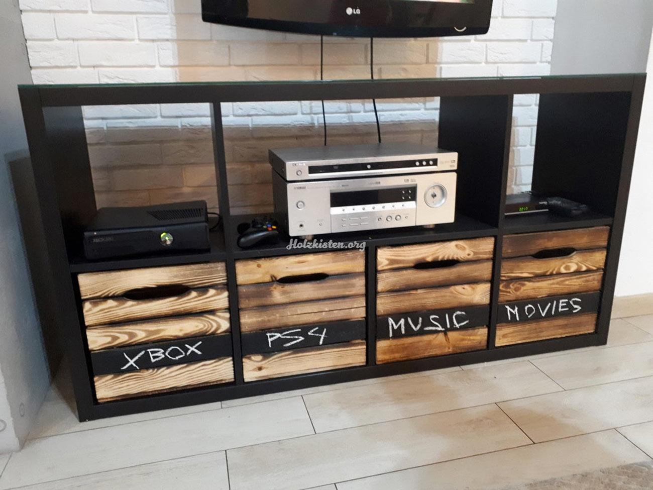Kallax di IKEA mobile TV.