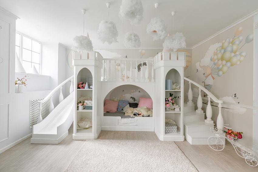 Bellissimo letto per bambini tipo castello.