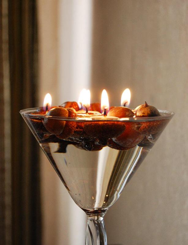 bella atmosfera autunnale con le candele