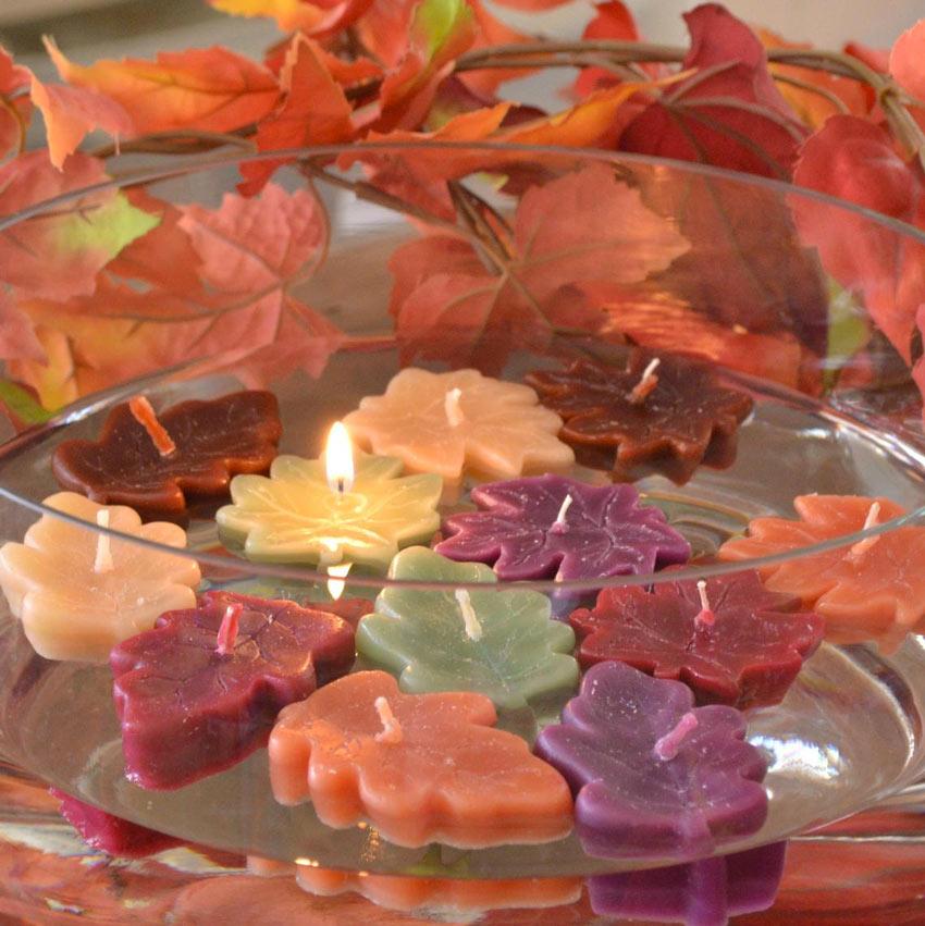 Candele a forma di foglia ideale per decorare in autunno.
