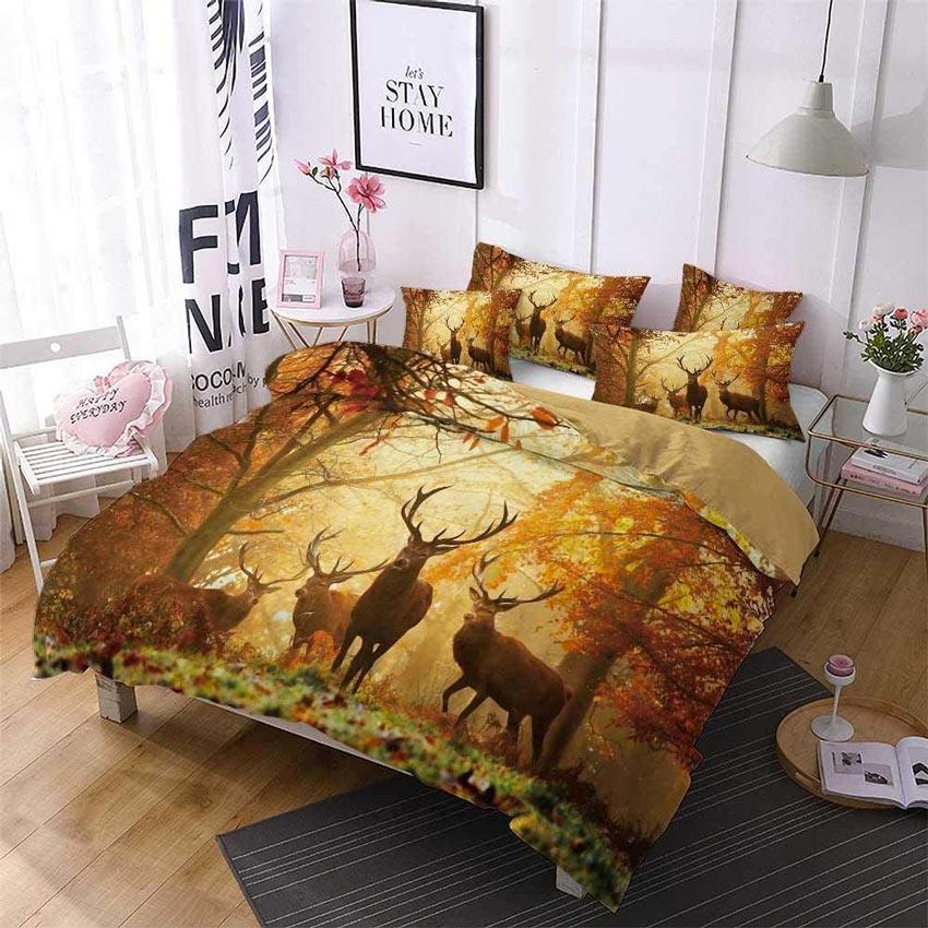 camera da letto con copri piumino e lenzuola autunnale