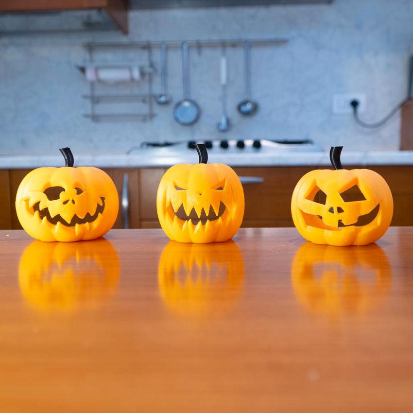 zucche intagliate per halloween.