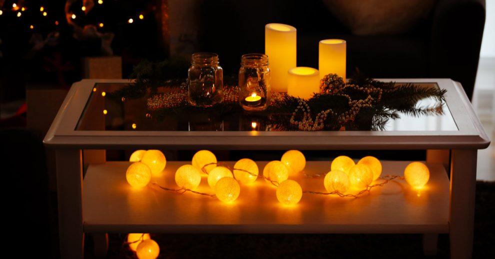 decorazioni natalizie per il tavolino in salotto