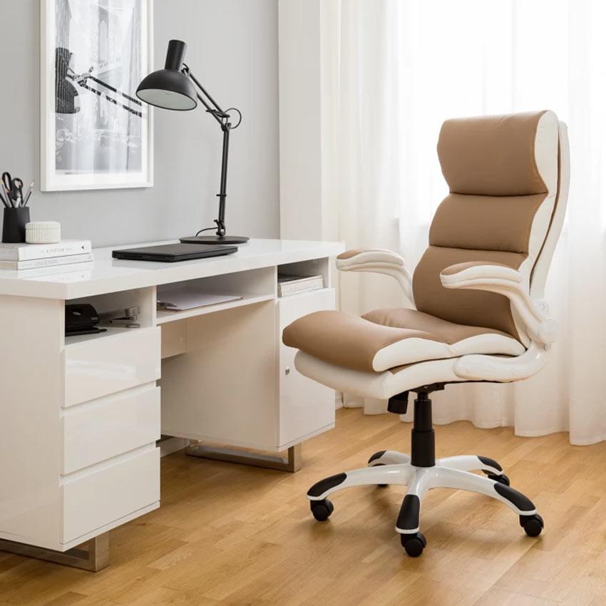 Sedie girevoli design per scrivania studio di casa.