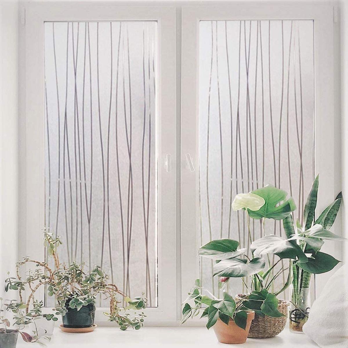 Aggiungere privacy e stile alle finestre con pellicole adesive