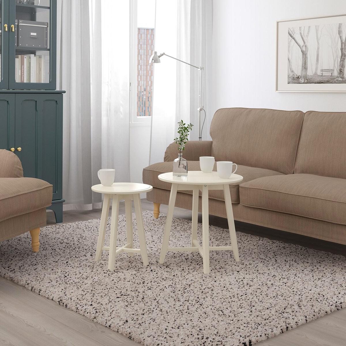 Set di due tavolini rotondi IKEA per il salotto
