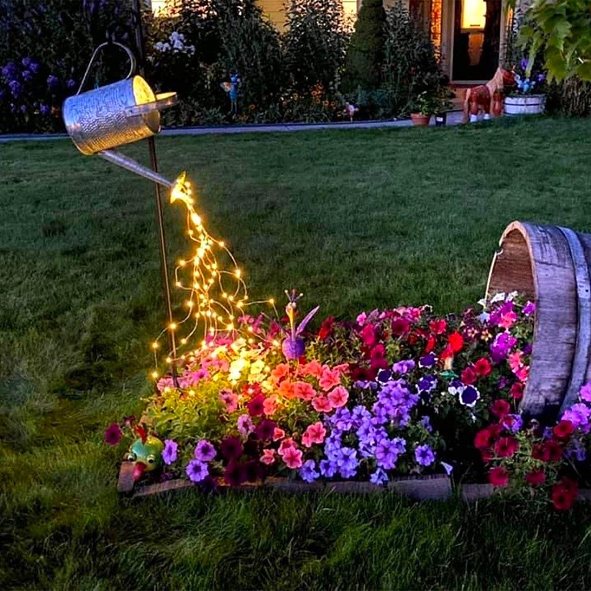 Illuminazione creativa in giardino