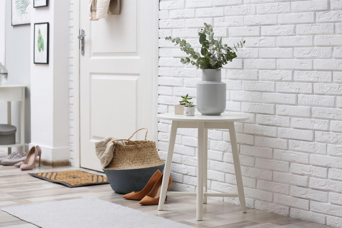 decorare ingresso casa con le piante