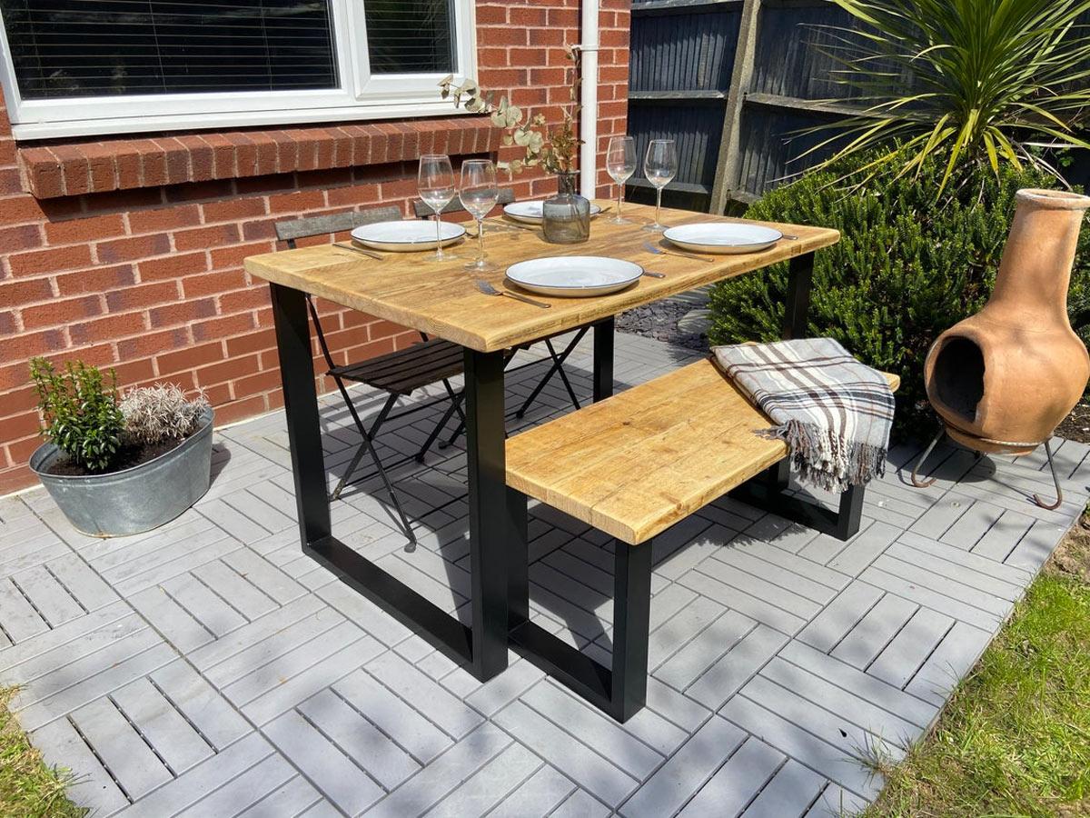 tavolini da giardino in legno con panchina