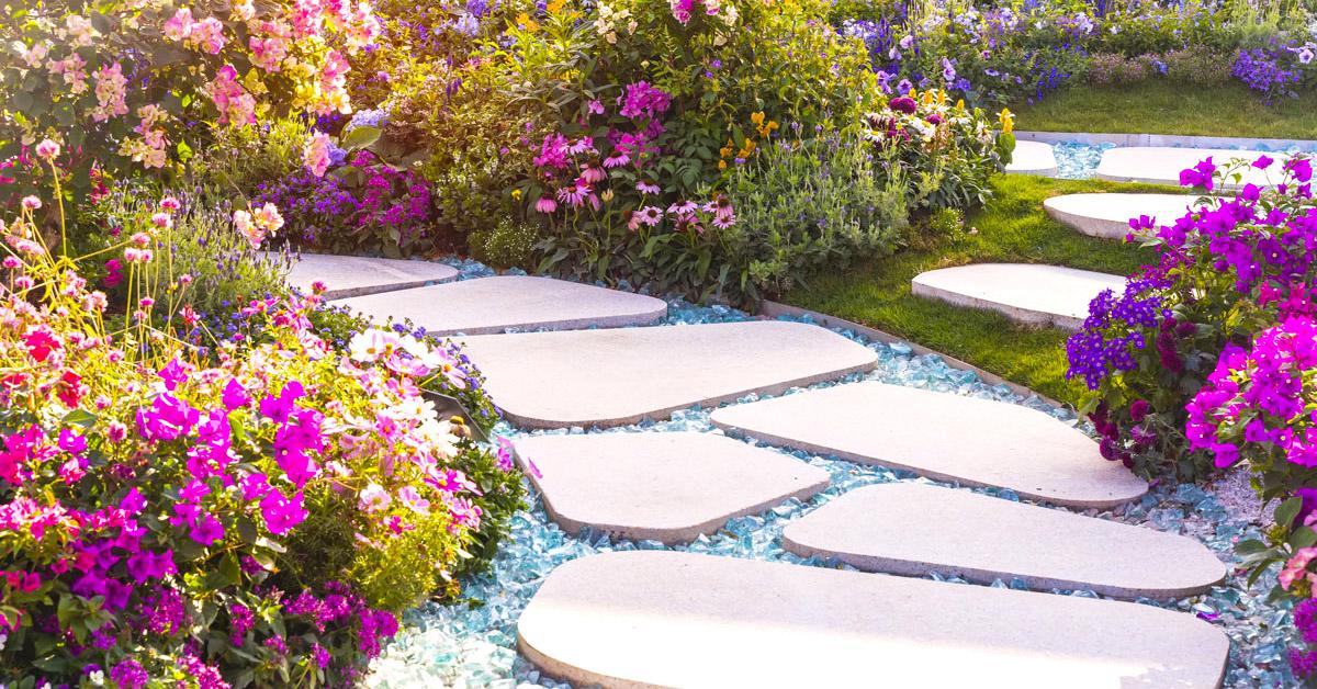Vialetti e camminamenti creativi per il giardino.