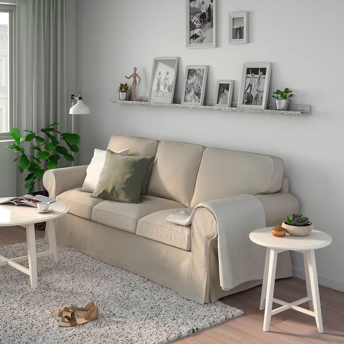 come decorare la parete dietro il divano