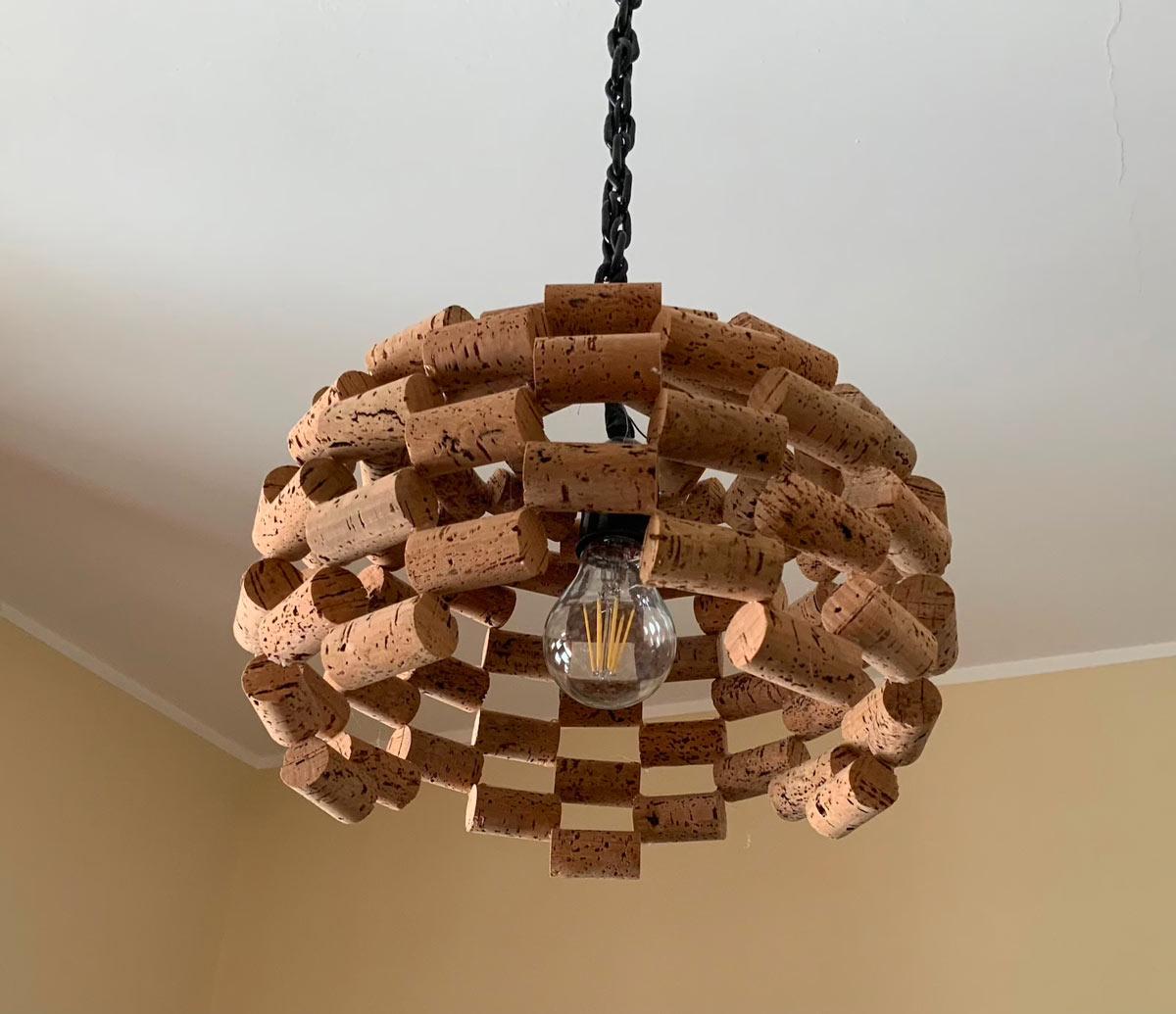 lampadari con materiali di riciclo fai da te