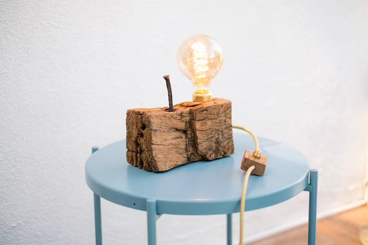 come realizzare lampade fai da te con il legno riciclato